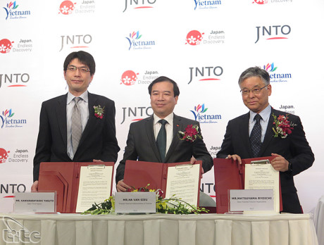 Vietnam, Japan ink cooperation deal on tourism promotion