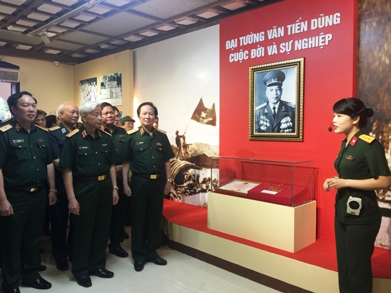 Exhibition on late General Van Tien Dung's life and career