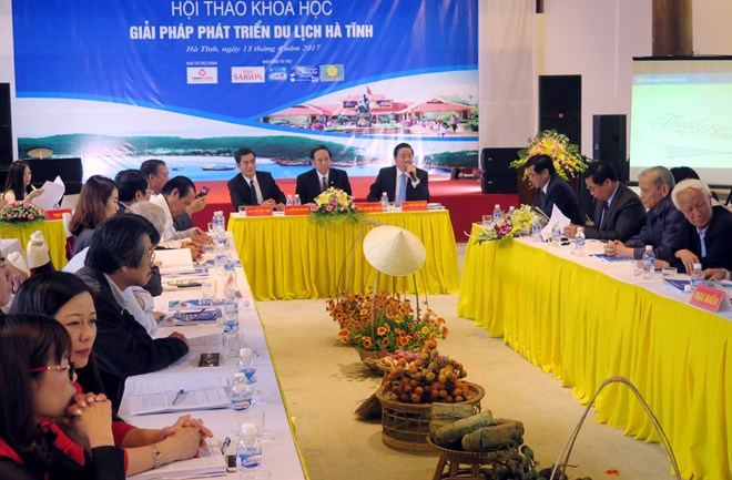 Ha Tinh seeks measures to recover sea tourism