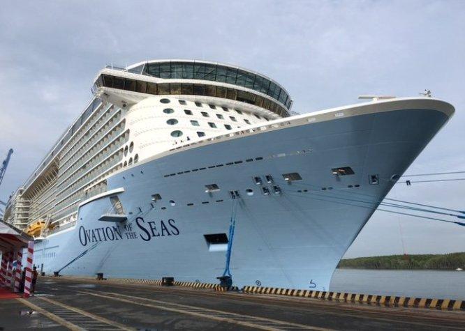 Asia's largest cruise ship returns Vietnam
