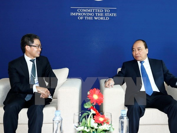 PM meets with business leaders on sidelines of WEF-ASEAN