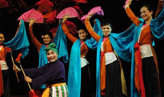 Performances by Hanoi Cheo Theatre every Saturday evening