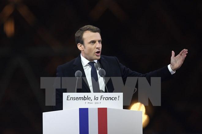 French election: Emmanuel Macron wins presidency