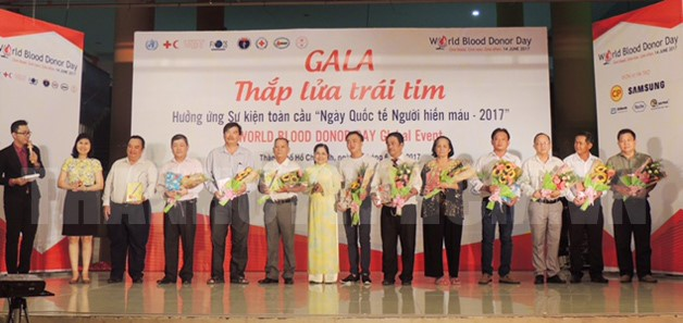 Ho Chi Minh city honours outstanding blood donors