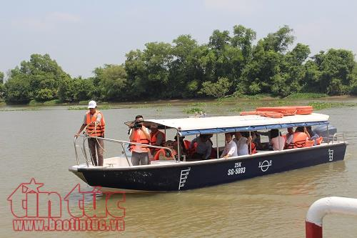 Ho Chi Minh city residents to experience river buses
