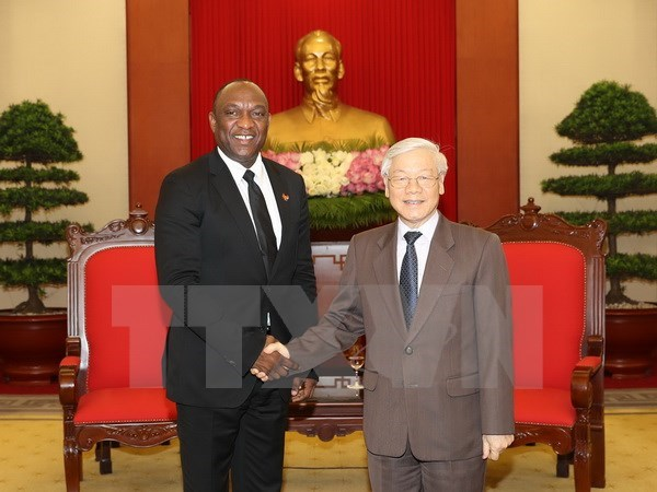 Party chief Nguyen Phu Trong welcomes Haitian Senate President