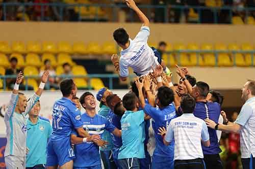 Futsal HD Bank Cup 2017: Thai Nam Son wins early