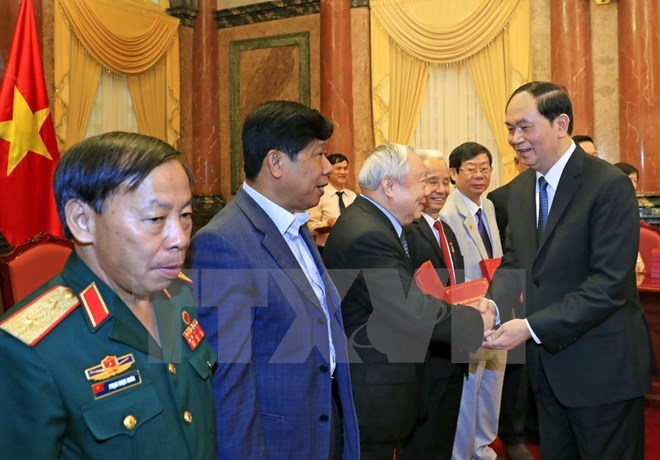 President meets former volunteer soldiers in Cambodia