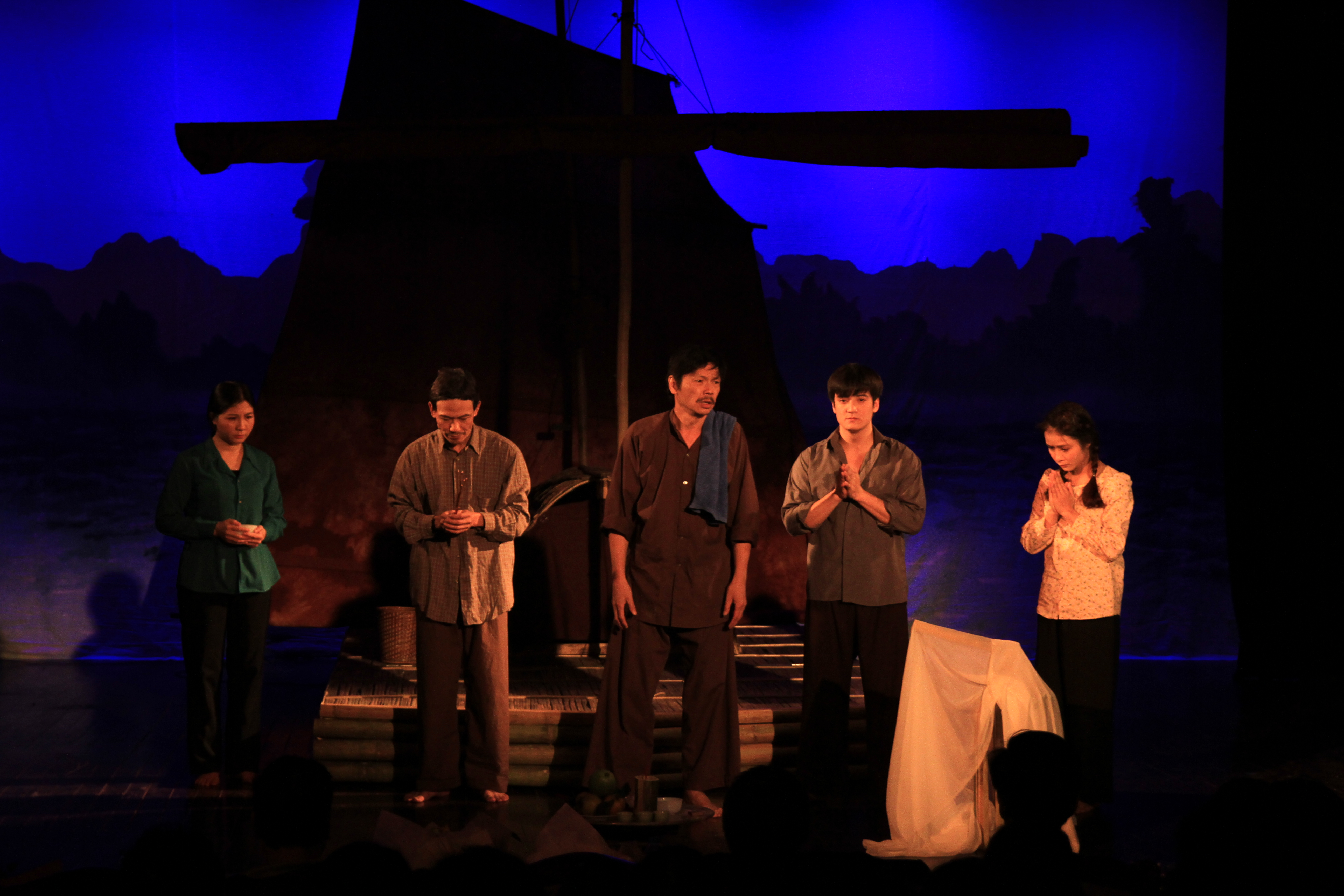 Vietnam National Drama Theatre's performances for people in central region