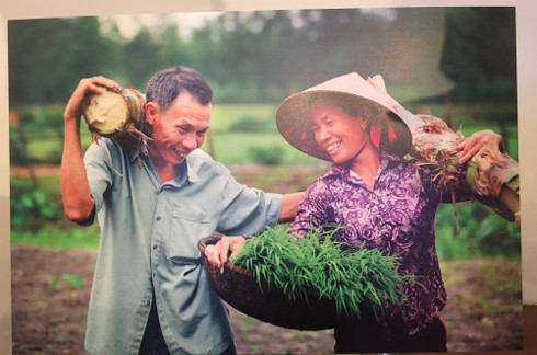 Photo exhibition on Vietnamese equal families