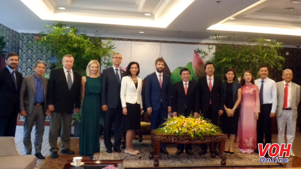 Czech Republic offers to open direct flights from Ho Chi Minh city to Prague