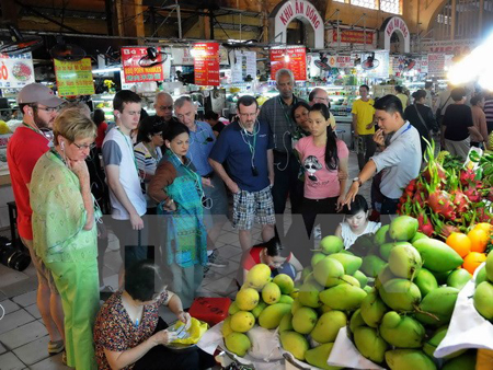 Southern city greets nearly 2.8 million tourists in six months