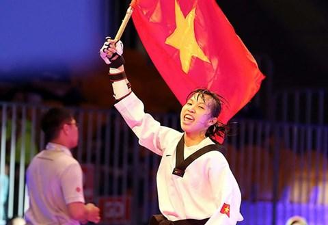 Truong Thi Kim Tuyen set a historical milestone for Vietnam's Taekwondo