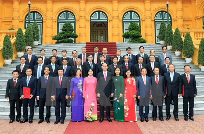 President meets chiefs of Vietnamese representative offices abroad
