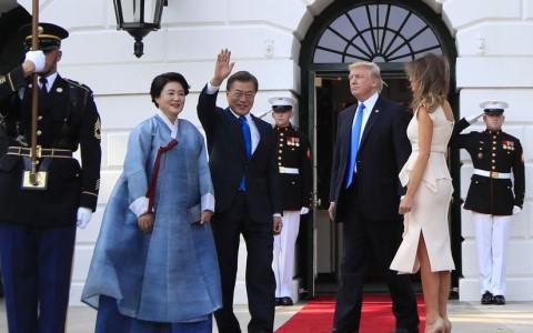 Donald Trump meets RoK's President Moon Jae-in
