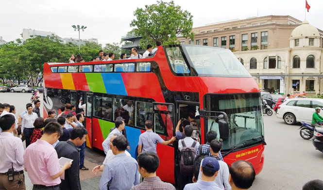 Hanoi pilots double-decker Hop on Hop off bus