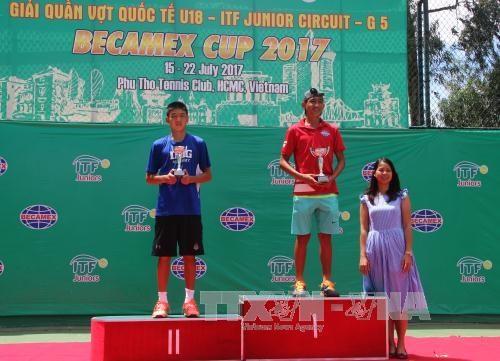 Vietnam wins men's singles champs at int'l tennis tourney