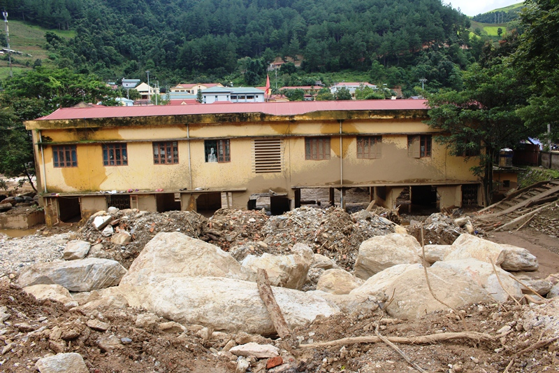 Over VND34 billion in support of northern district's flood affected people