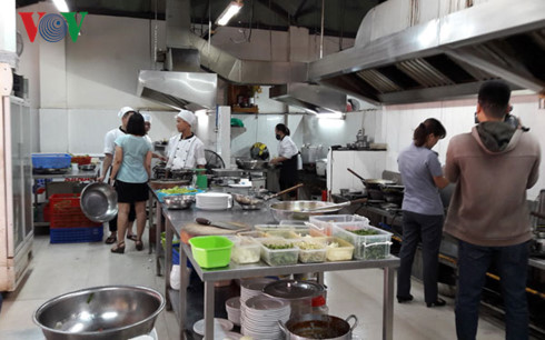 Da Nang city prepares food safety test vehicles serving APEC