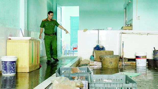 Da Nang city increases inspection over food safety ahead of APEC