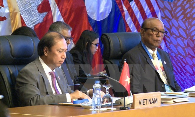 Vietnam attends ASEAN SOM and related meetings in Manila