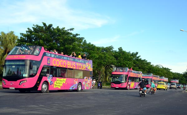 First 12 open-top double-decker tourism buses inaugurated in Da Nang