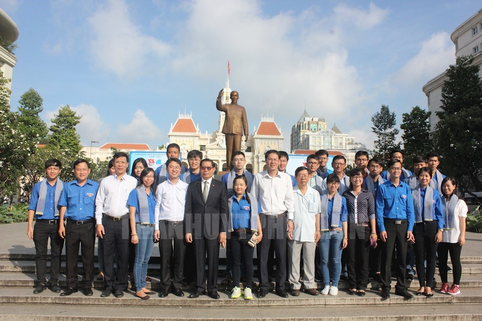 Ho Chi Minh city youth carry out voluntary work in Cambodia