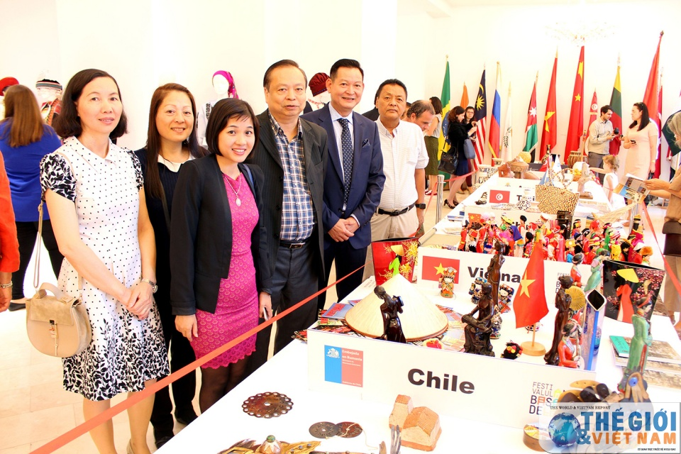 Vietnam attends its first Embassies Festival in Romania