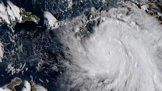 Hurricane Maria hits Dominican Republic