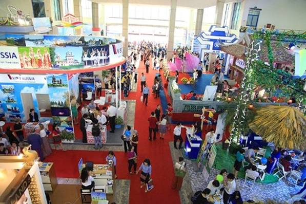 Vietbuild Exhibition opens in HCM city