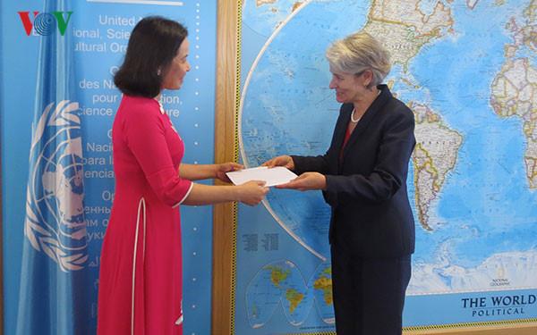 UNESCO chief praises strengthened ties with Vietnam