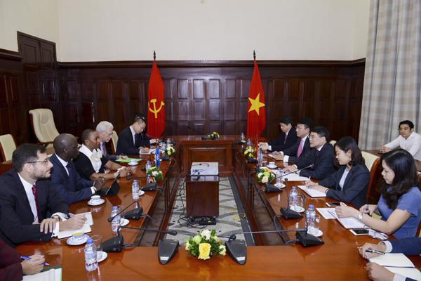 Vietnam, World Bank: Long-term counterparts