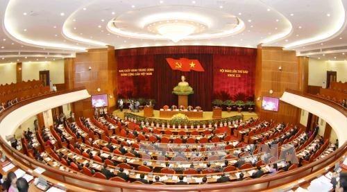 Politburo discusses reconstruction of public administrative units