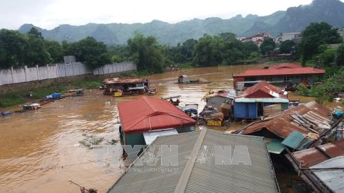 Prime Minister urges support for people affected by floods