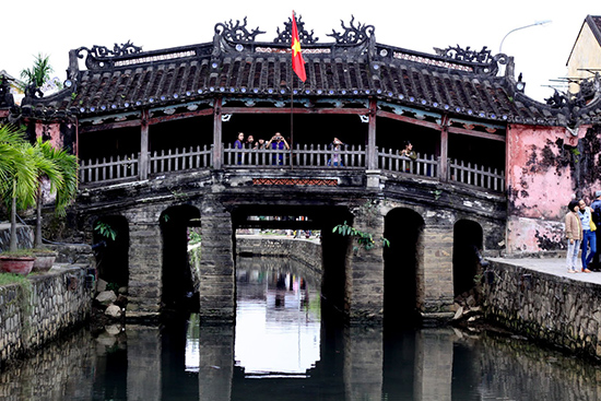 Gilded Bridge Pagoda paintings to be presented to APEC delegates