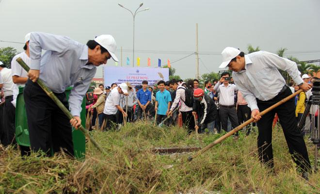 Da Nang leaders ensure clean city to welcome APEC