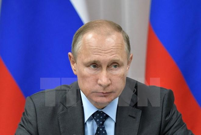 President Putin begins visit to Turkmenistan