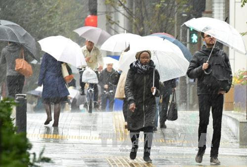 Typhoon Lan hits Japan, tens of thousands forced to evacuate
