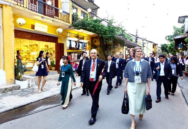 """APEC Economic Leaders' Week """"Golden chance"""" for Vietnam's tourism"""