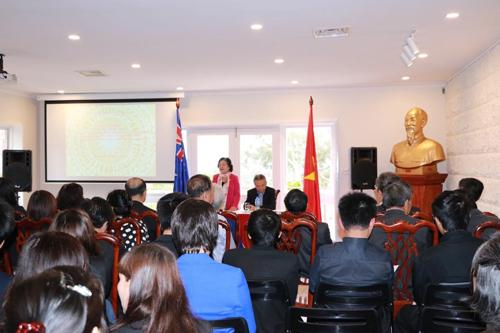 Overseas Vietnamese in Australia support poor students in mountainous regions and islands