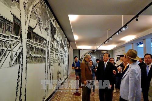 Vietnam-RoK fine arts exhibition opens in HCM City