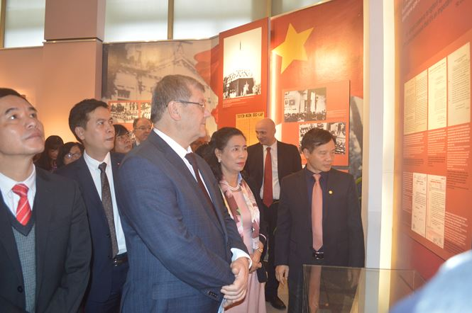 Exhibition on effect of Russian October Revolution on Vietnamese revolution