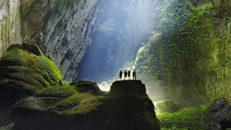 Russian news praises Son Doong as a lost world underground