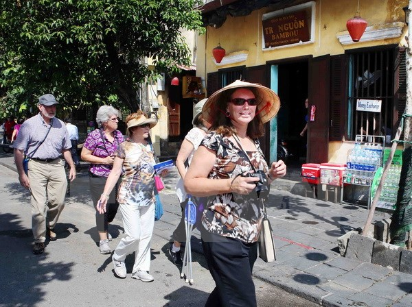 Foreign tourists to Vietnam rise over 14% thanks to APEC