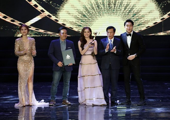 Jailbait wins top award at Vietnamese film festival