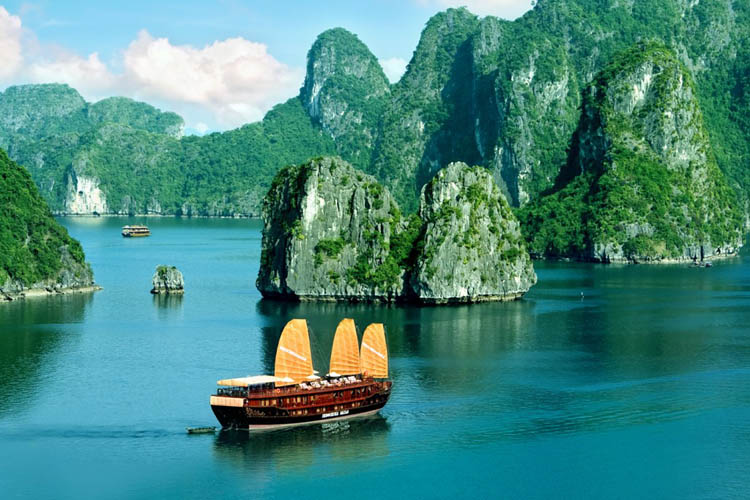Quang Ninh ready for 2018 National Tourism Year