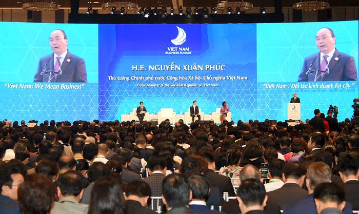 PM delivers keynote speech at Vietnam Business Summit