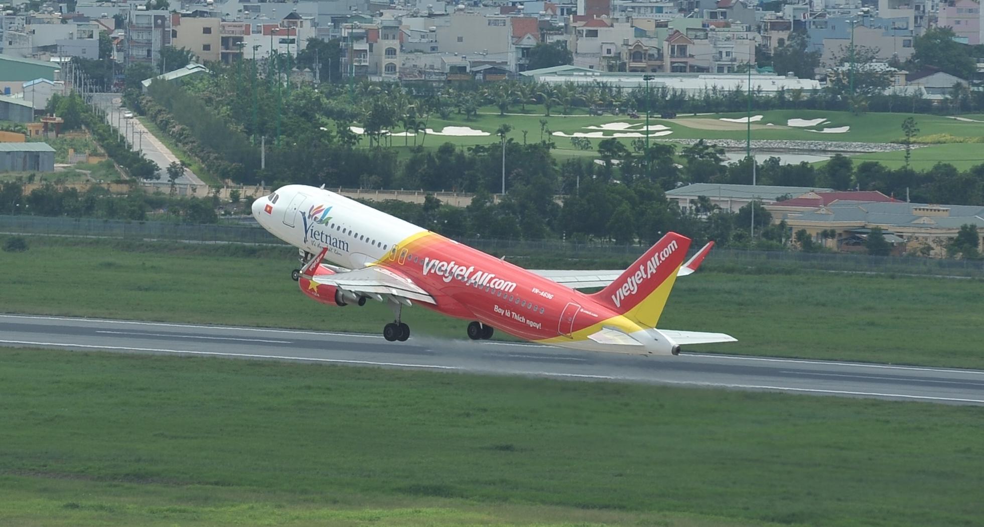 Budget carrier offers 500,000 cheap tickets on 6 golden days