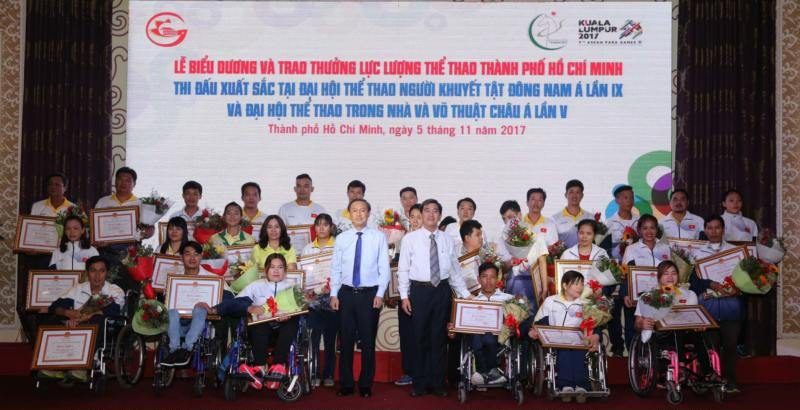 HCM city honors outstanding athletes