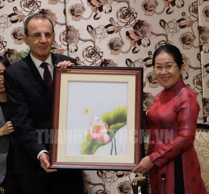 Russian bureau willing to cooperate with Ho Chi Minh city in social and human issues